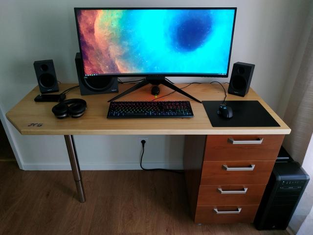 PC_Desk_UltlaWideMonitor48_03.jpg