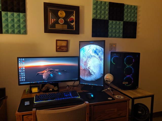 PC_Desk_UltlaWideMonitor48_19.jpg