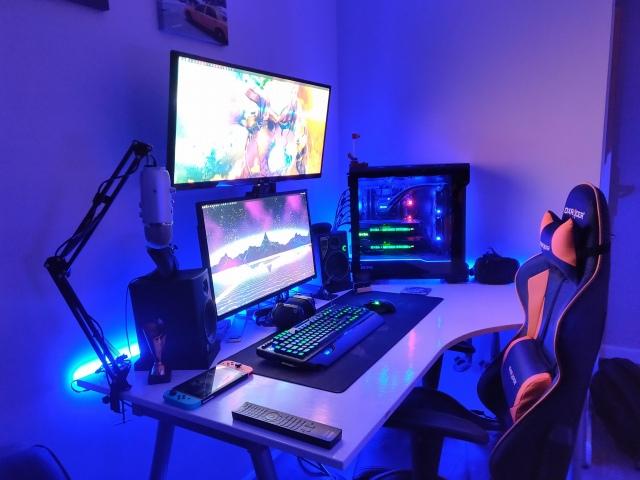 PC_Desk_UltlaWideMonitor48_30.jpg