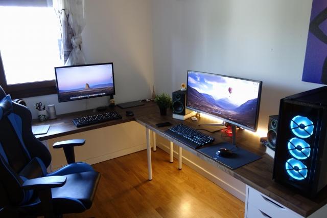 PC_Desk_UltlaWideMonitor48_67.jpg