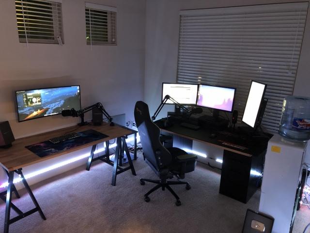 PC_Desk_UltlaWideMonitor48_78.jpg