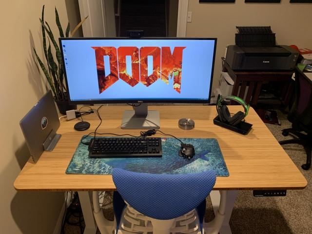 PC_Desk_UltlaWideMonitor48_84.jpg