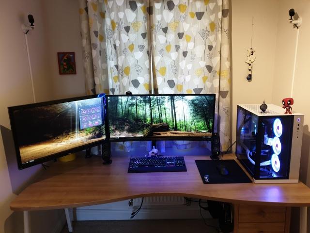 PC_Desk_UltlaWideMonitor48_99.jpg