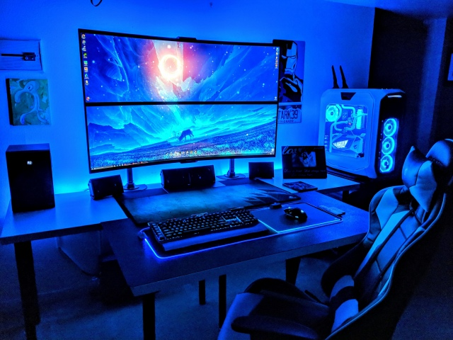 PC_Desk_UltlaWideMonitor49_11.jpg