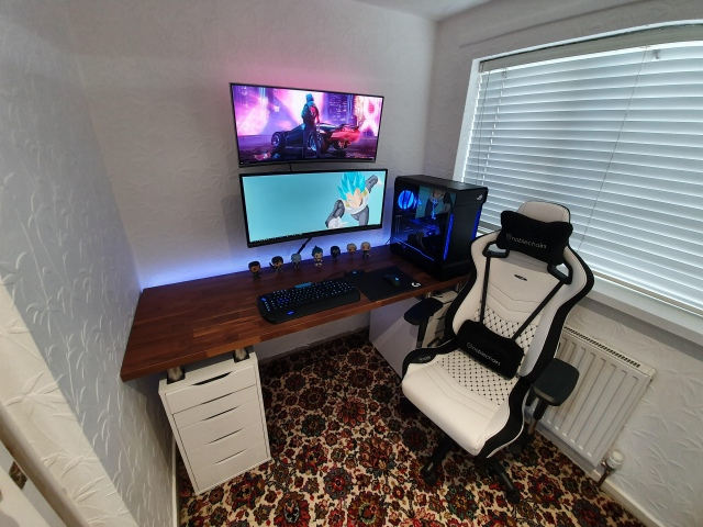 PC_Desk_UltlaWideMonitor49_60.jpg