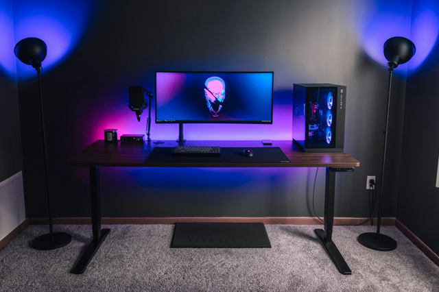 PC_Desk_UltlaWideMonitor49_90.jpg