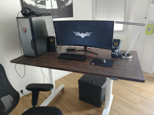 PC_Desk_UltlaWideMonitor49_93.jpg