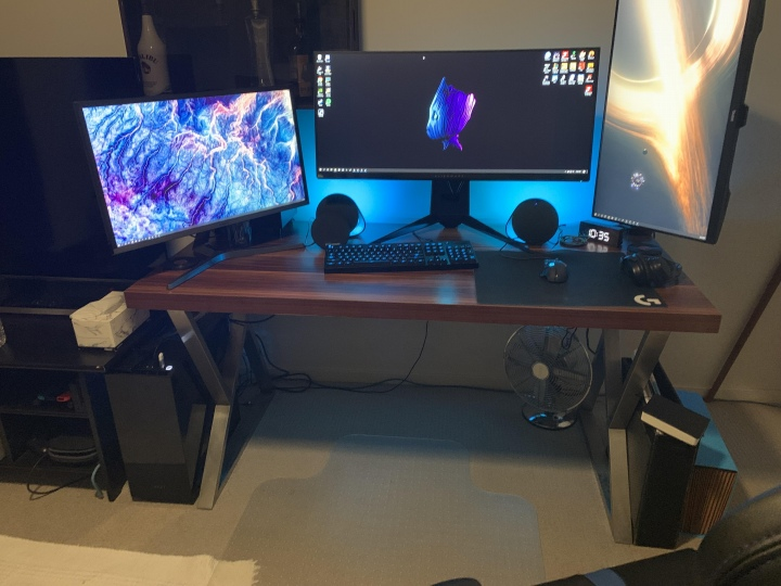PC_Desk_UltlaWideMonitor50_24.jpg