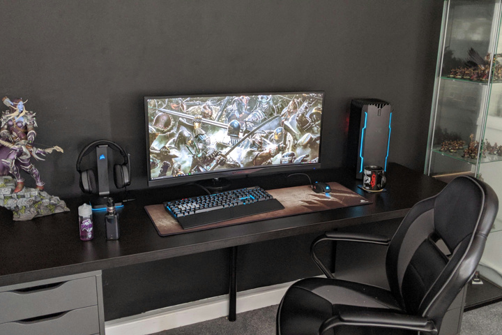 PC_Desk_UltlaWideMonitor50_33.jpg