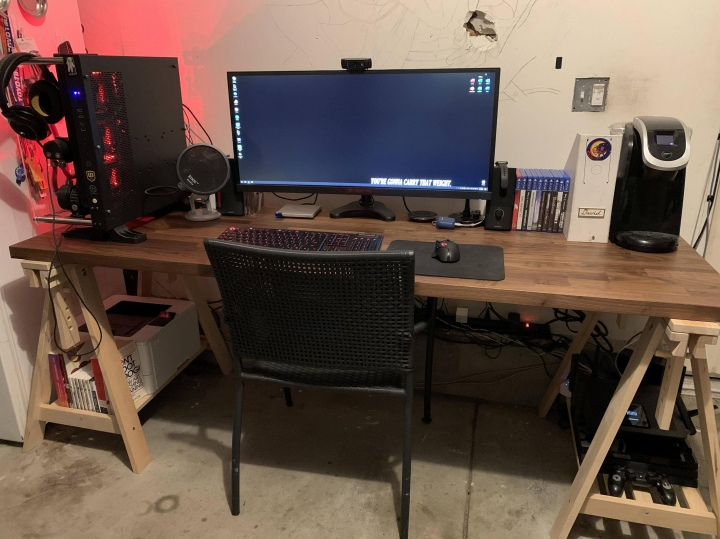PC_Desk_UltlaWideMonitor50_92.jpg