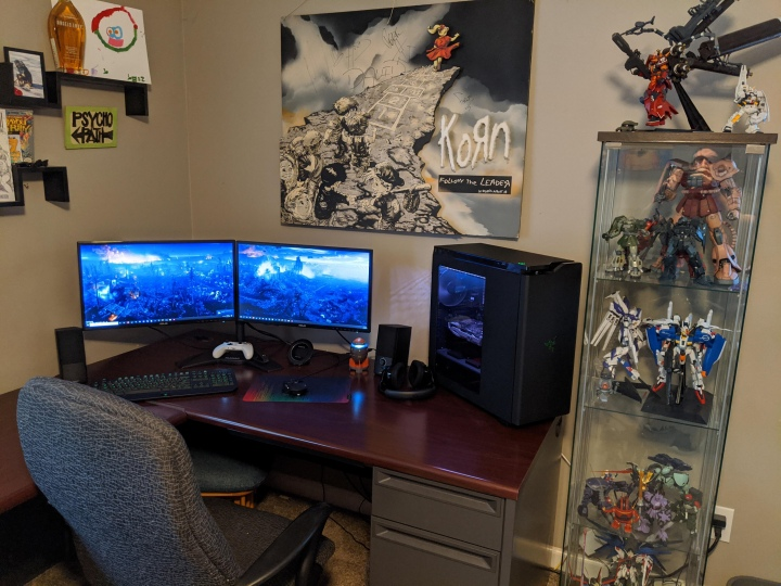 Post_Your_PC_Desk_178_50.jpg