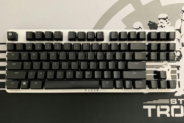 Razer_BlackWidow_Lite_Stormtrooper_Edition_15.jpg