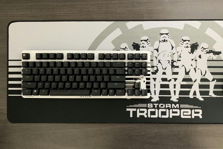 Razer_BlackWidow_Lite_Stormtrooper_Edition_17.jpg