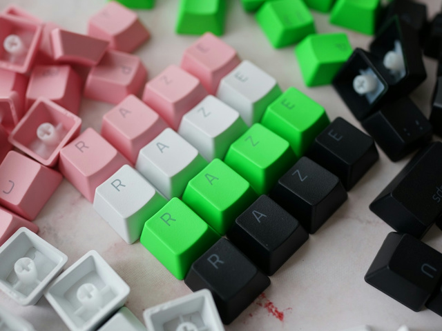 Razer_PBT_Keycap_Upgrade_Set_19.jpg
