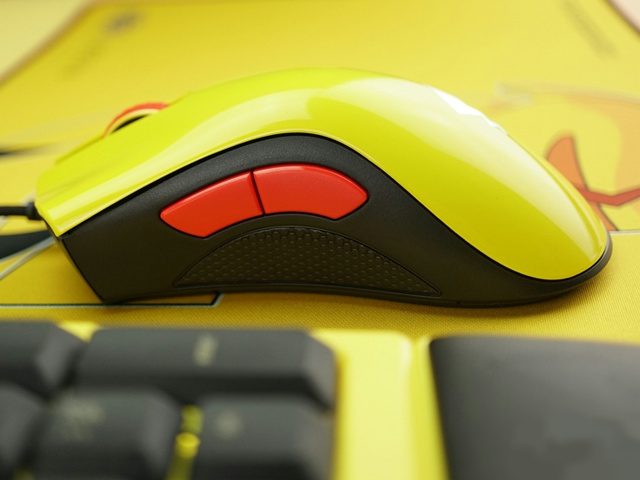 Razer_Pikachu_Mouse_04.jpg