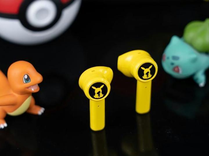 Razer_Pikachu_TWS_Earphones_15.jpg