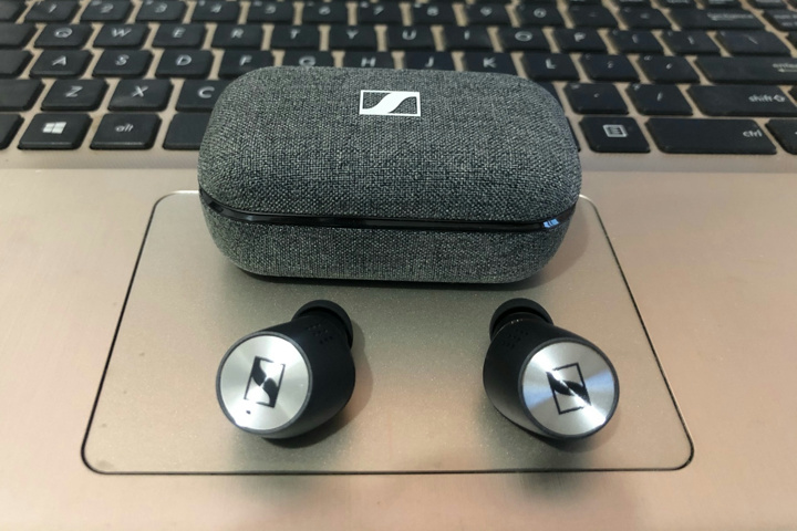 SENNHEISER_MOMENTUM_True_Wireless2_10.jpg