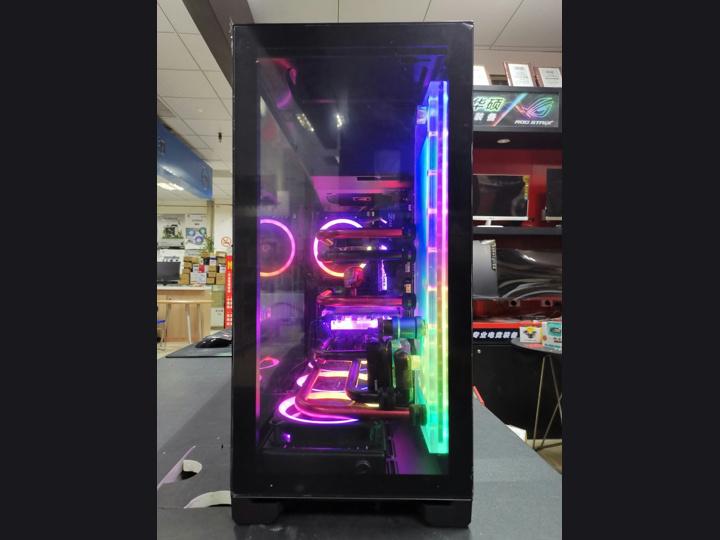 Show_Your_PC_Case_Part13_37.jpg