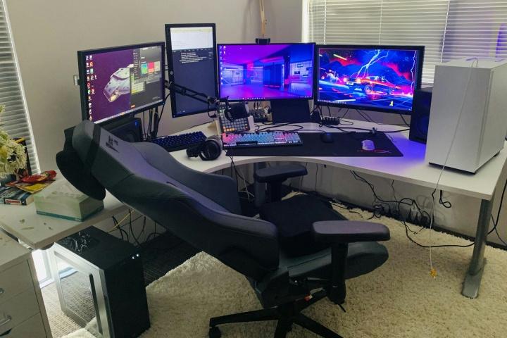 Show_Your_PC_Desk_Part181_01.jpg