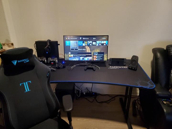 Show_Your_PC_Desk_Part181_04.jpg