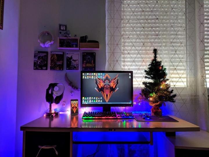 Show_Your_PC_Desk_Part181_12.jpg