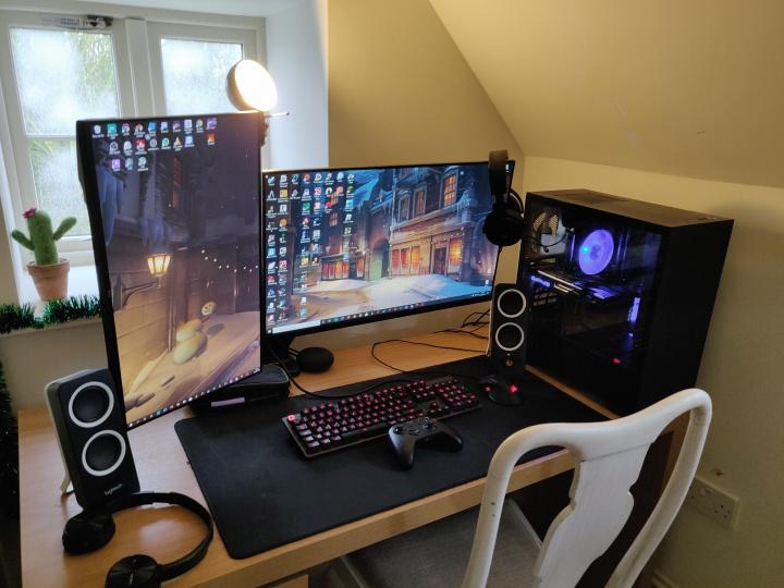 Show_Your_PC_Desk_Part181_14.jpg