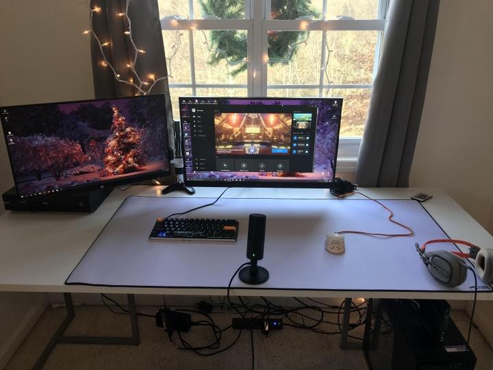 Show_Your_PC_Desk_Part181_30.jpg