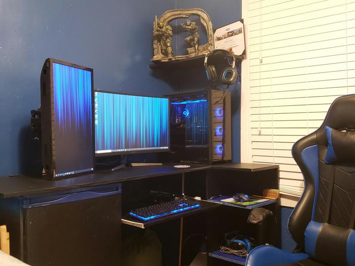 Show_Your_PC_Desk_Part181_41.jpg