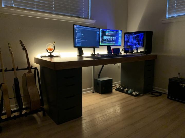 Show_Your_PC_Desk_Part181_57.jpg