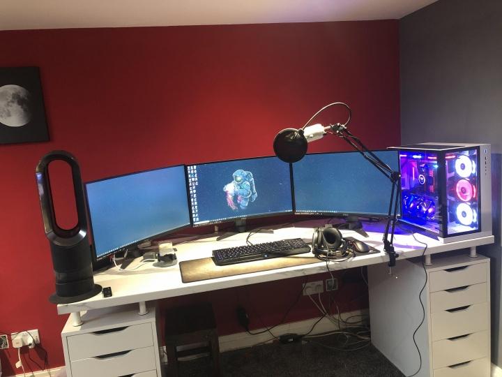 Show_Your_PC_Desk_Part181_90.jpg