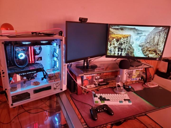Show_Your_PC_Desk_Part181_98.jpg
