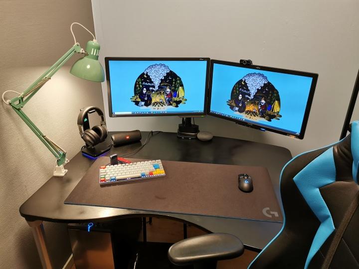 Show_Your_PC_Desk_Part182_60.jpg