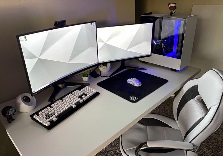 Show_Your_PC_Desk_Part182_83.jpg
