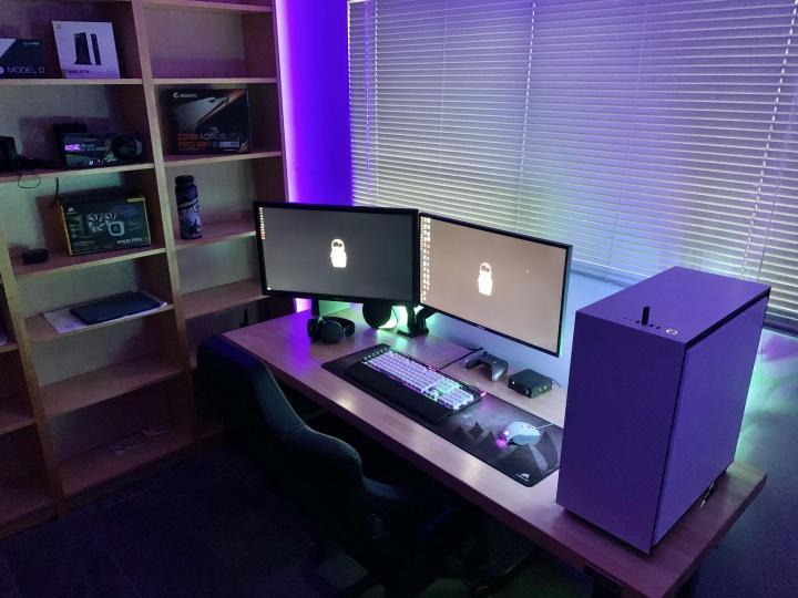 Show_Your_PC_Desk_Part182_96.jpg
