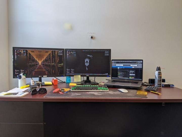 Show_Your_PC_Desk_Part186_02.jpg