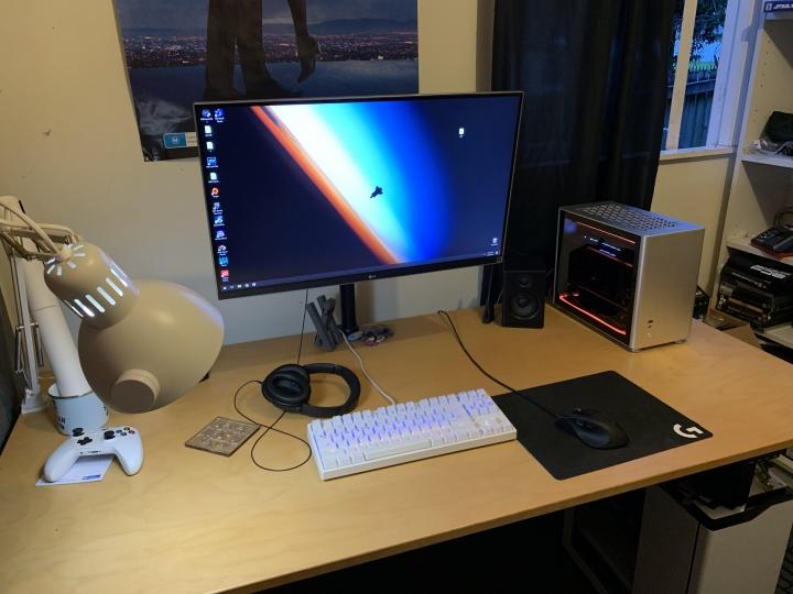 Show_Your_PC_Desk_Part186_08.jpg