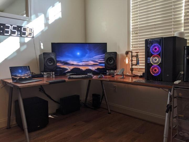 Show_Your_PC_Desk_Part186_13.jpg