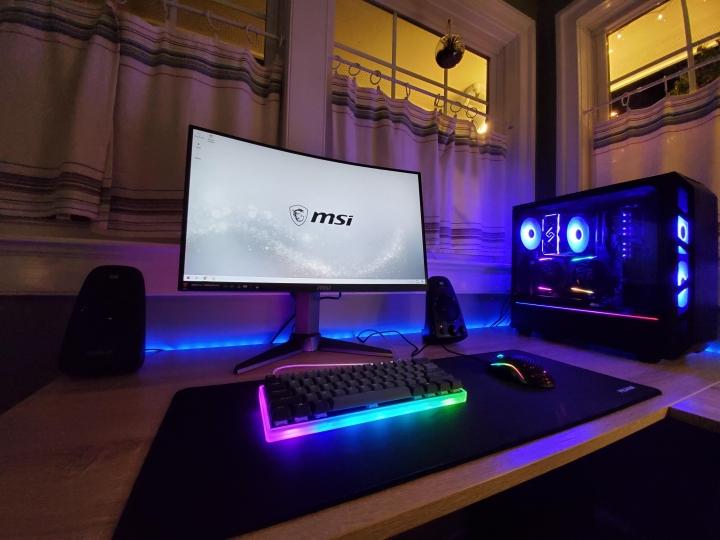 Show_Your_PC_Desk_Part186_35.jpg