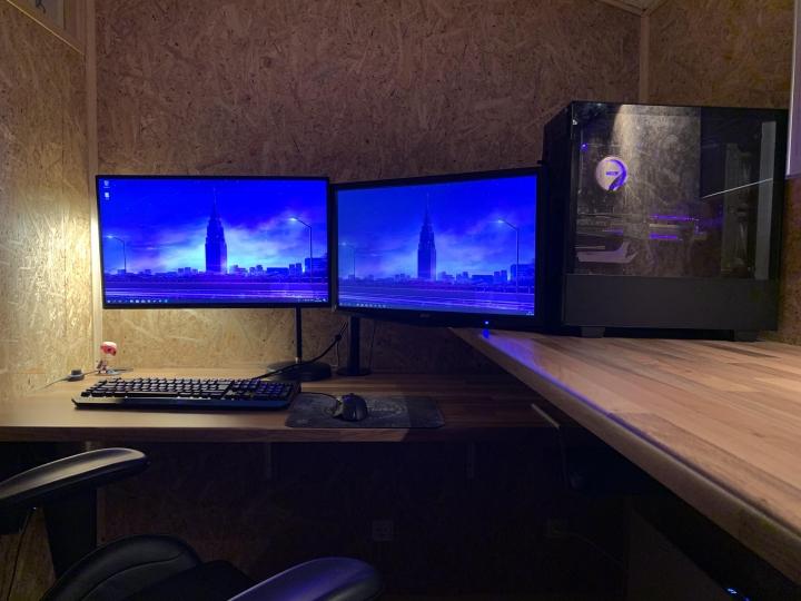 Show_Your_PC_Desk_Part186_69.jpg