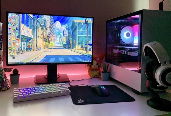 Show_Your_PC_Desk_Part187_11.jpg