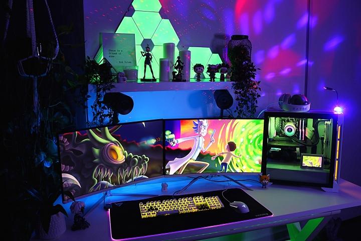 Show_Your_PC_Desk_Part187_40.jpg