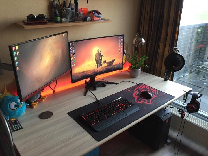 Show_Your_PC_Desk_Part187_85.jpg