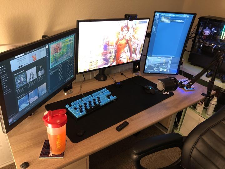 Show_Your_PC_Desk_Part187_87.jpg