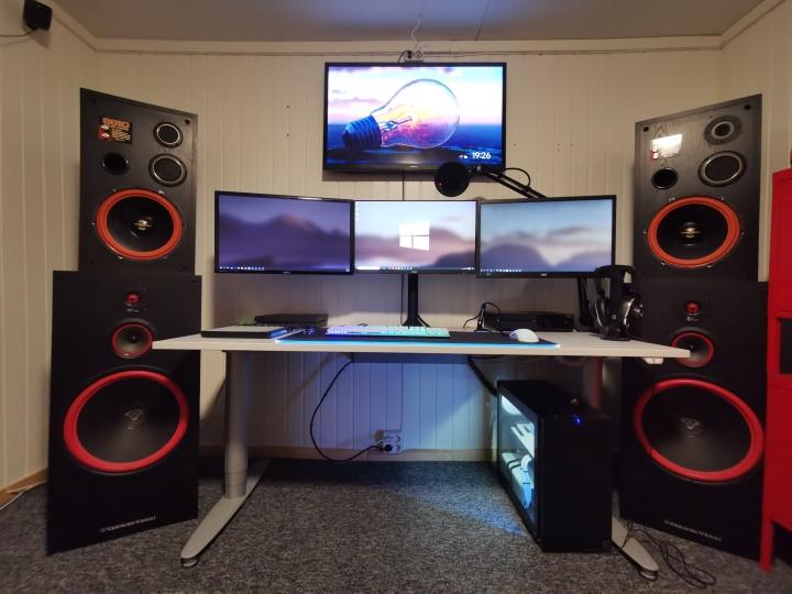 Show_Your_PC_Desk_Part187_98.jpg