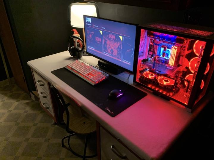 Show_Your_PC_Desk_Part189_08.jpg