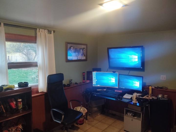 Show_Your_PC_Desk_Part189_10.jpg