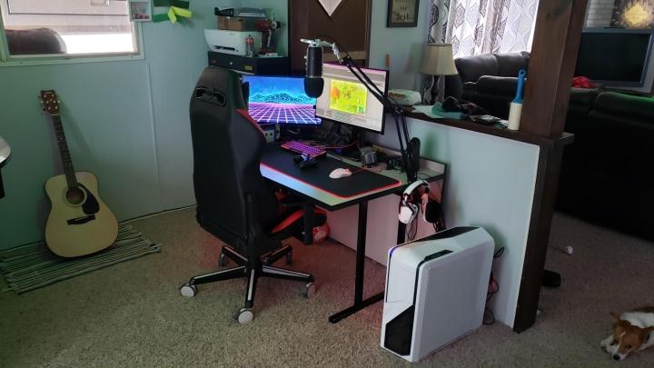 Show_Your_PC_Desk_Part189_15.jpg