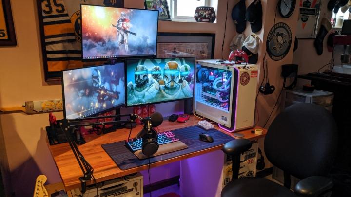 Show_Your_PC_Desk_Part189_21.jpg