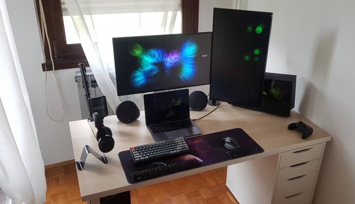Show_Your_PC_Desk_Part189_23.jpg