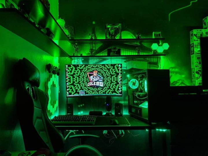 Show_Your_PC_Desk_Part189_27.jpg
